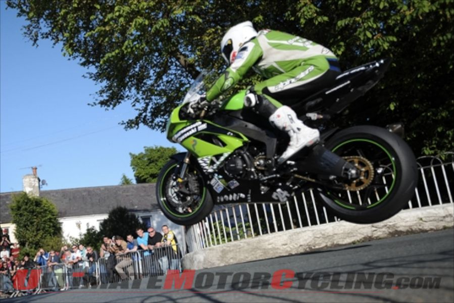 2012-isle-of-man-tt-hillier-set-to-crack-130mph