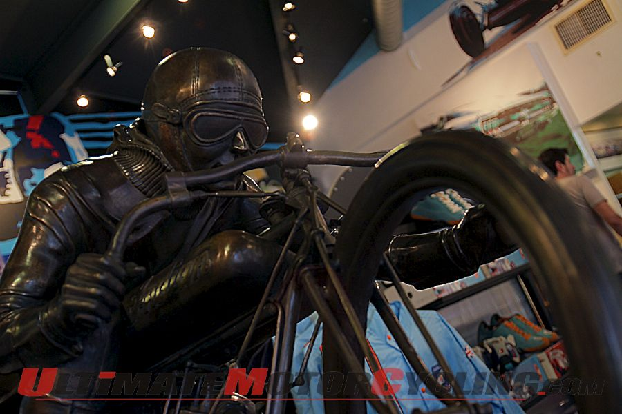 2012-flying-mile-six-foot-motorcycle-sculpture-unveiled