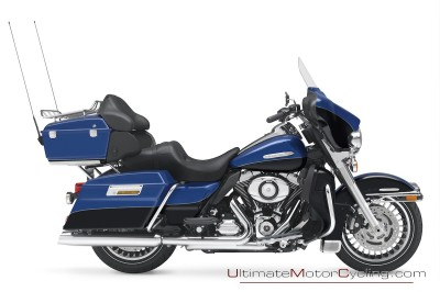2010_Harley-Davidson_Touring-Electra-Glide-Ultra-Limited-Wallpaper