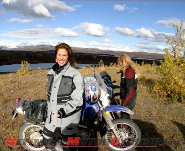 2010-motorcyclist-molly-culver-hosts-new-tv-show 3