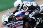 2010-laverty-tests-yamaha-r1-superbike 2