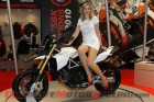 2010-piaggio-intermot-motorcycle-fair 2