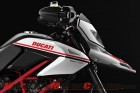 2011-ducati-hypermotard-1100-evo-sp-review 5
