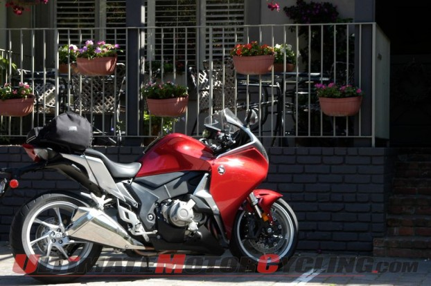 motorcycle-friendly-hotels-carmel-inn 1