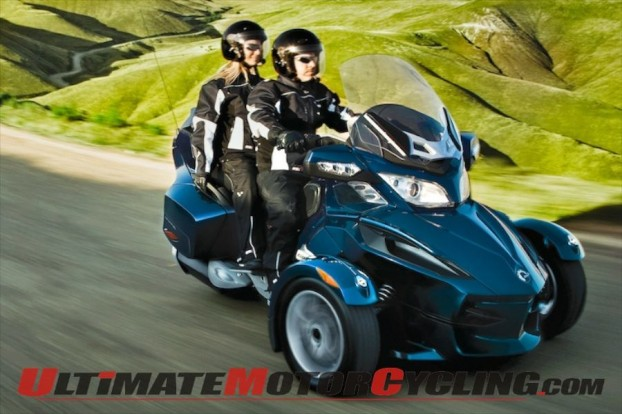 2011-can-am-spyder-rt-quick-look 3