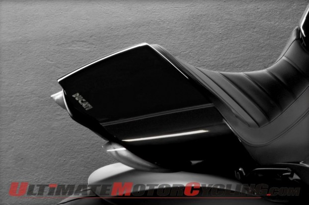 2012-ducati-diavel-cromo-preview 4