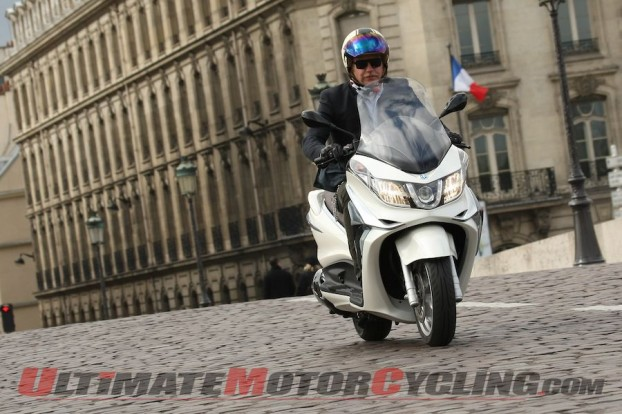 2012-piaggio-x10-350-scooter-first-ride 5