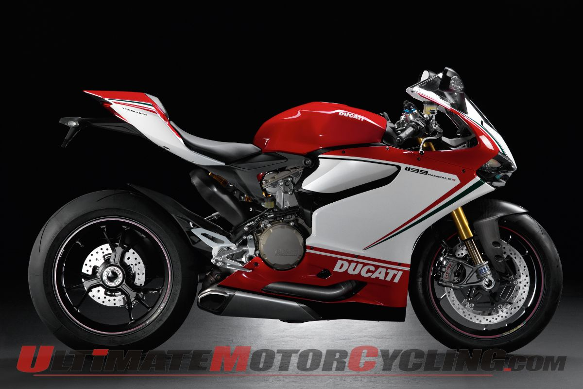 2013-ducati-1199-panigale-studio-wallpaper 4