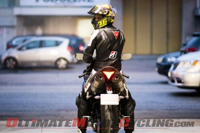 Valentino Rossi Tests Bridgestone Battlax S20 EVO on R1 | Video