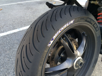 2014 Michelin Pilot Road 4 | Motorcycle Tire Review