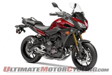 Right side, 2015 Yamaha FJ-09 in Candy Red