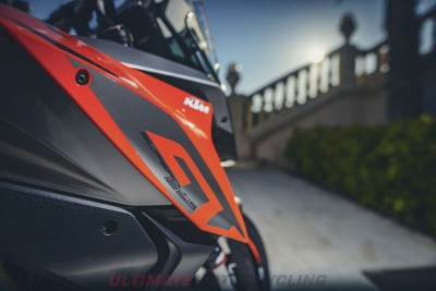 2017 KTM Super Duke GT colors