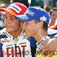 Rossi & Lorenzo Heal Old Wounds | Exchange Kidneys as Peace Offering