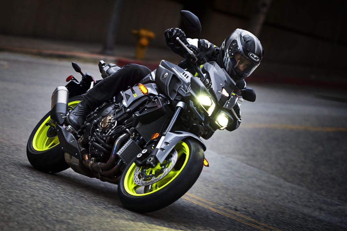 2017 yamaha fz 10 preview 10 fast facts. Black Bedroom Furniture Sets. Home Design Ideas