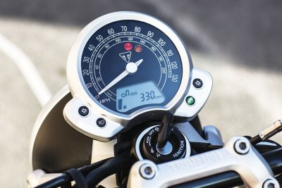 2016 Triumph Bonneville Street Twin Test speedo