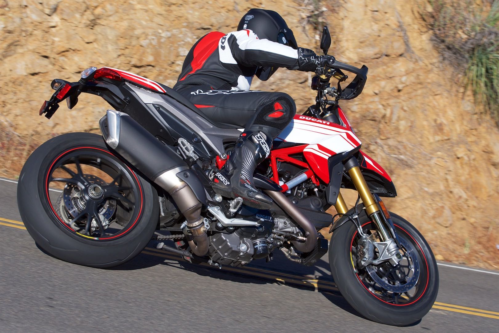 2016 Ducati Hypermotard 939 SP top speed