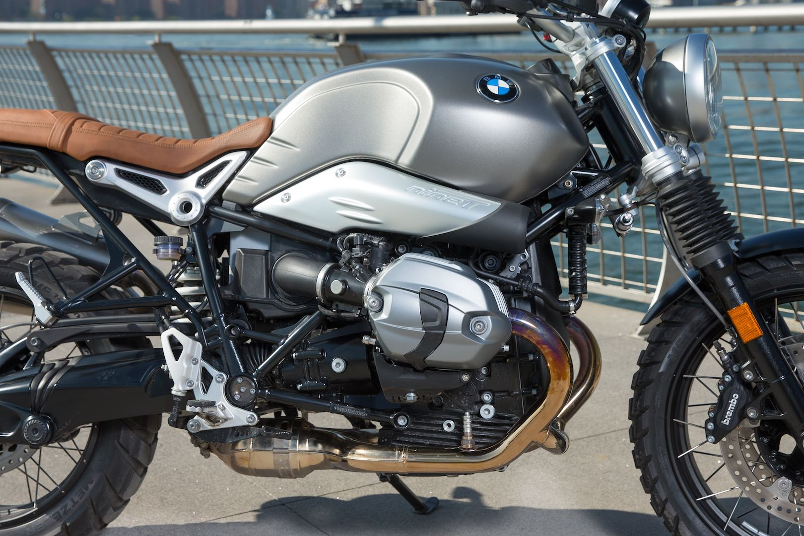 2017 bmw r ninet scrambler first ride 10 fast facts. Black Bedroom Furniture Sets. Home Design Ideas