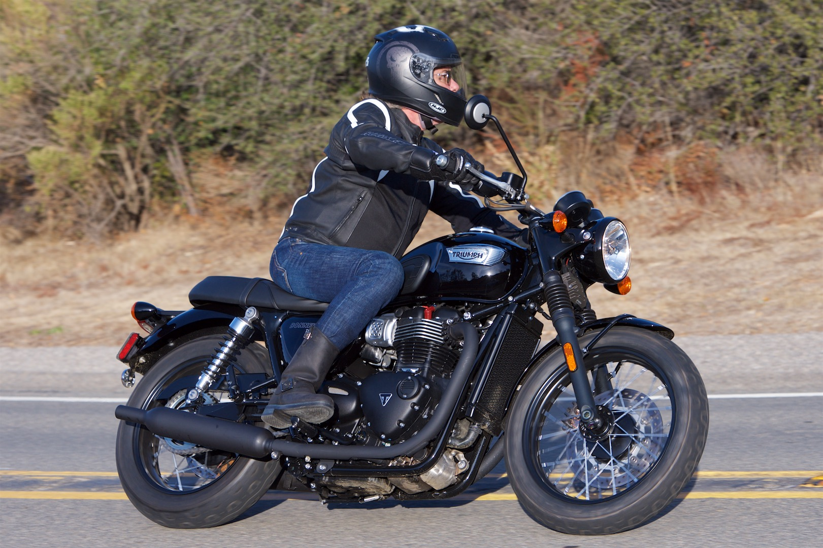 2017 Triumph Bonneville T100 Black Review