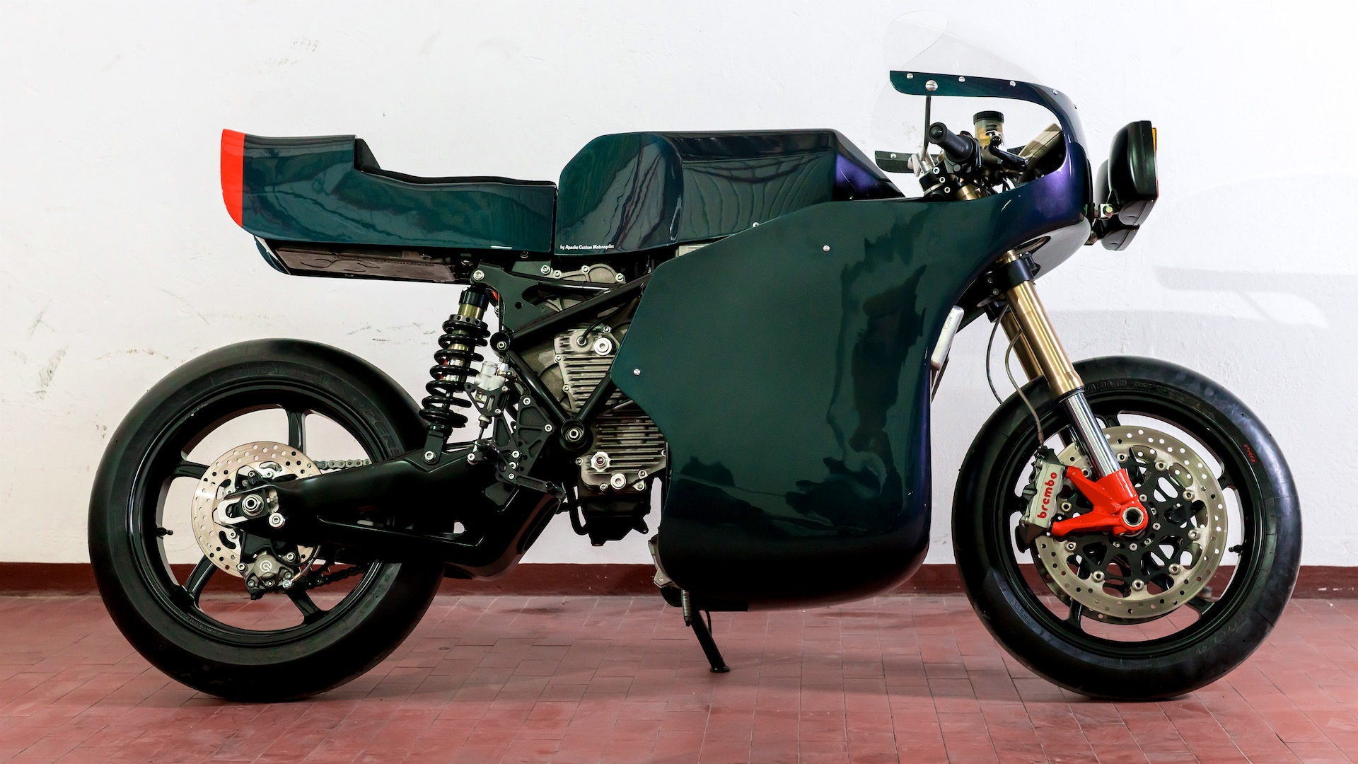 Apache Customs X Energica Midnight Runner Cafe Racer power