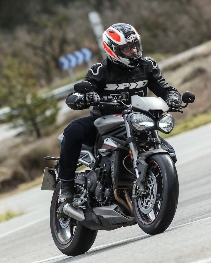 2017 triumph street triple rs first ride test 14 fast facts video. Black Bedroom Furniture Sets. Home Design Ideas