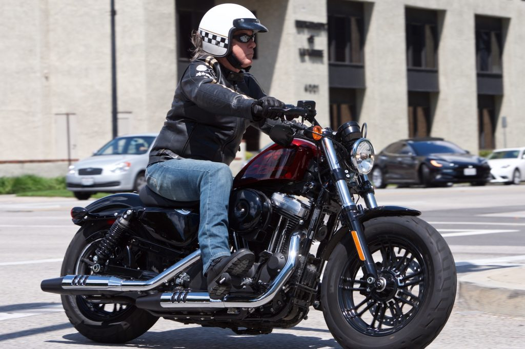 2017 Harley-Davidson Sportster Forty-Eight Review: Mid ...
