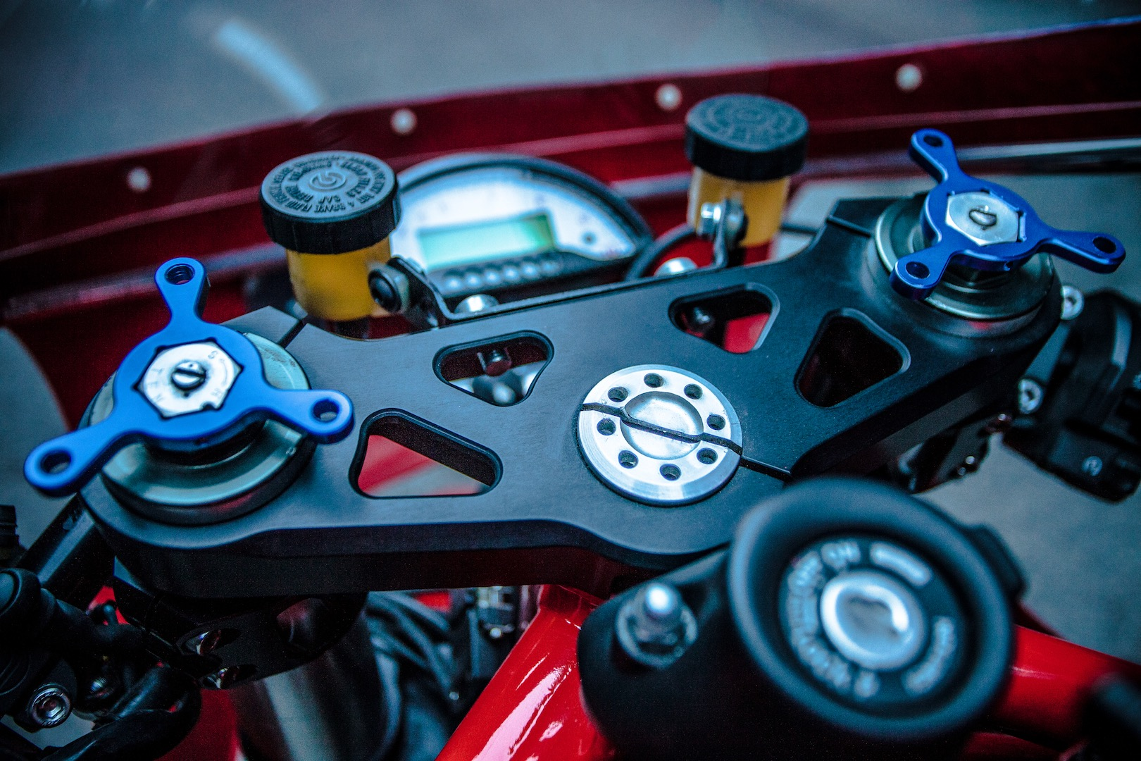 XTR Pepo Pata Negra | Custom Spanish Ducati Monster triple tree