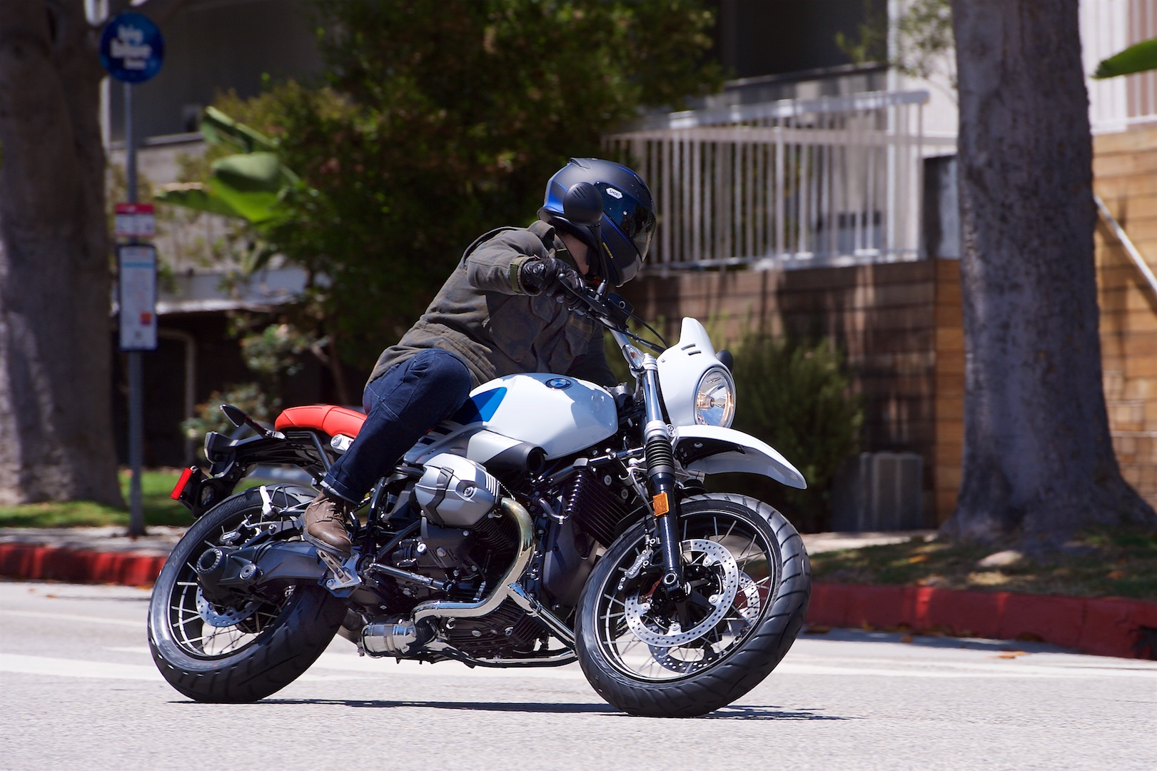 2018 BMW R nineT Urban G/S Review - city test