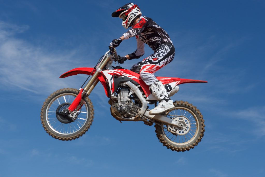 2018 Honda CRF450R First Ride Review - left side air