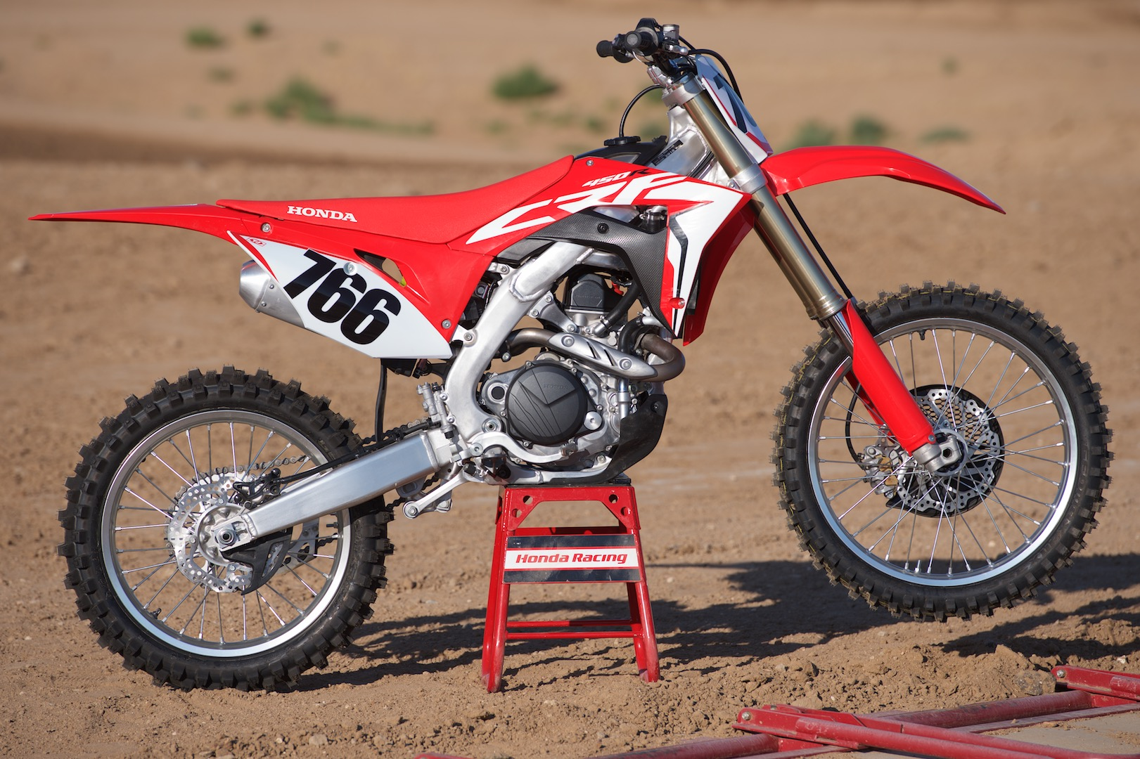 2018 honda crf450r first ride review 10 fast facts. Black Bedroom Furniture Sets. Home Design Ideas