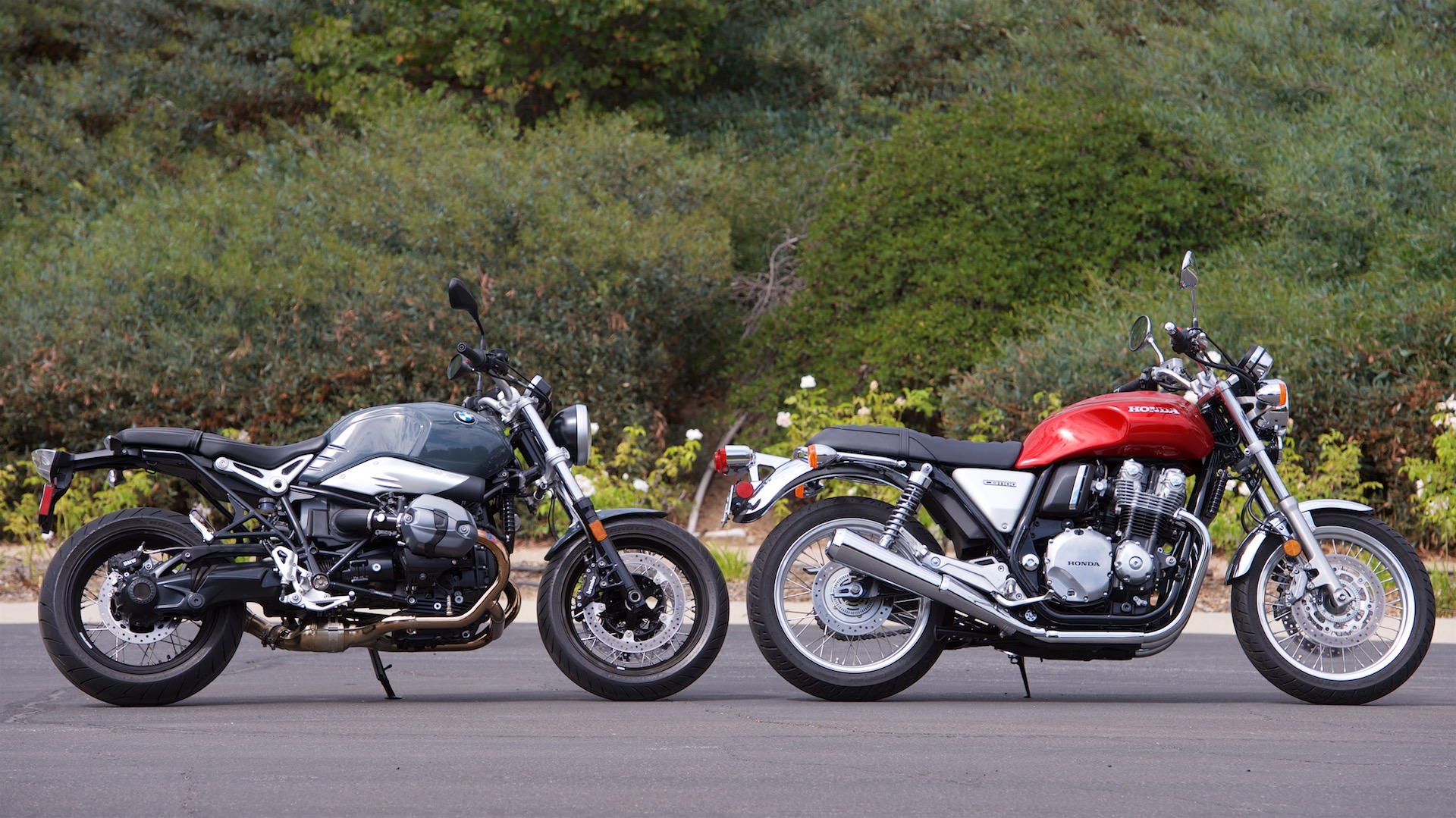 2017 Honda CB1100 EX vs BMW R nineT Pure Review