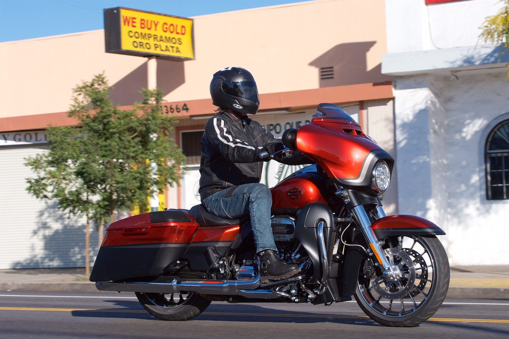 2018 Harley-Davidson CVO Street Glide Review | 12 Fast Facts