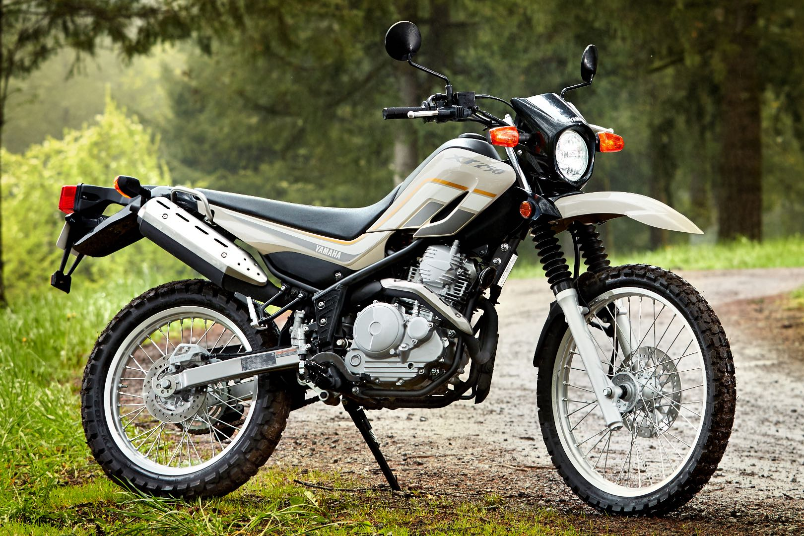 2018 yamaha xt250 buyer 39 s guide specs price. Black Bedroom Furniture Sets. Home Design Ideas