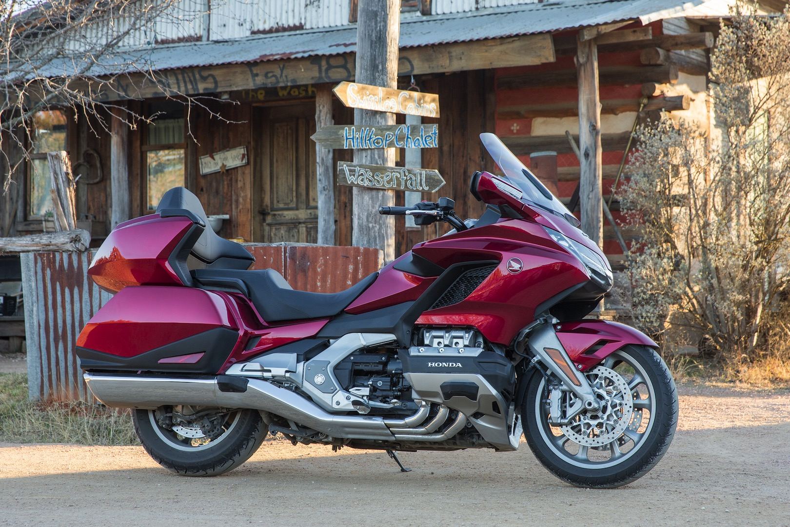 2018 honda gold wing tour dct review 34 fast facts 2018 honda gold wing tour dct review seat height fandeluxe Gallery