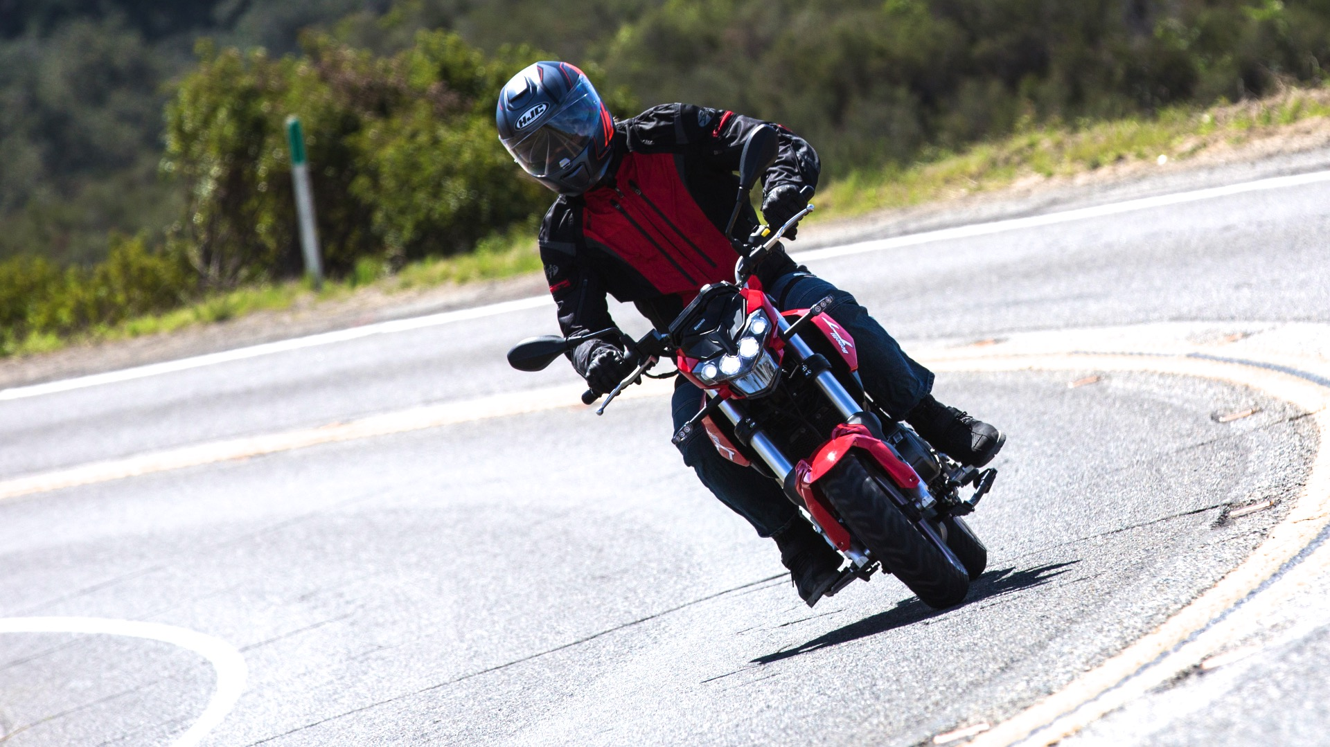 2018 Benelli TNT 135 Review | 12 Fast Facts