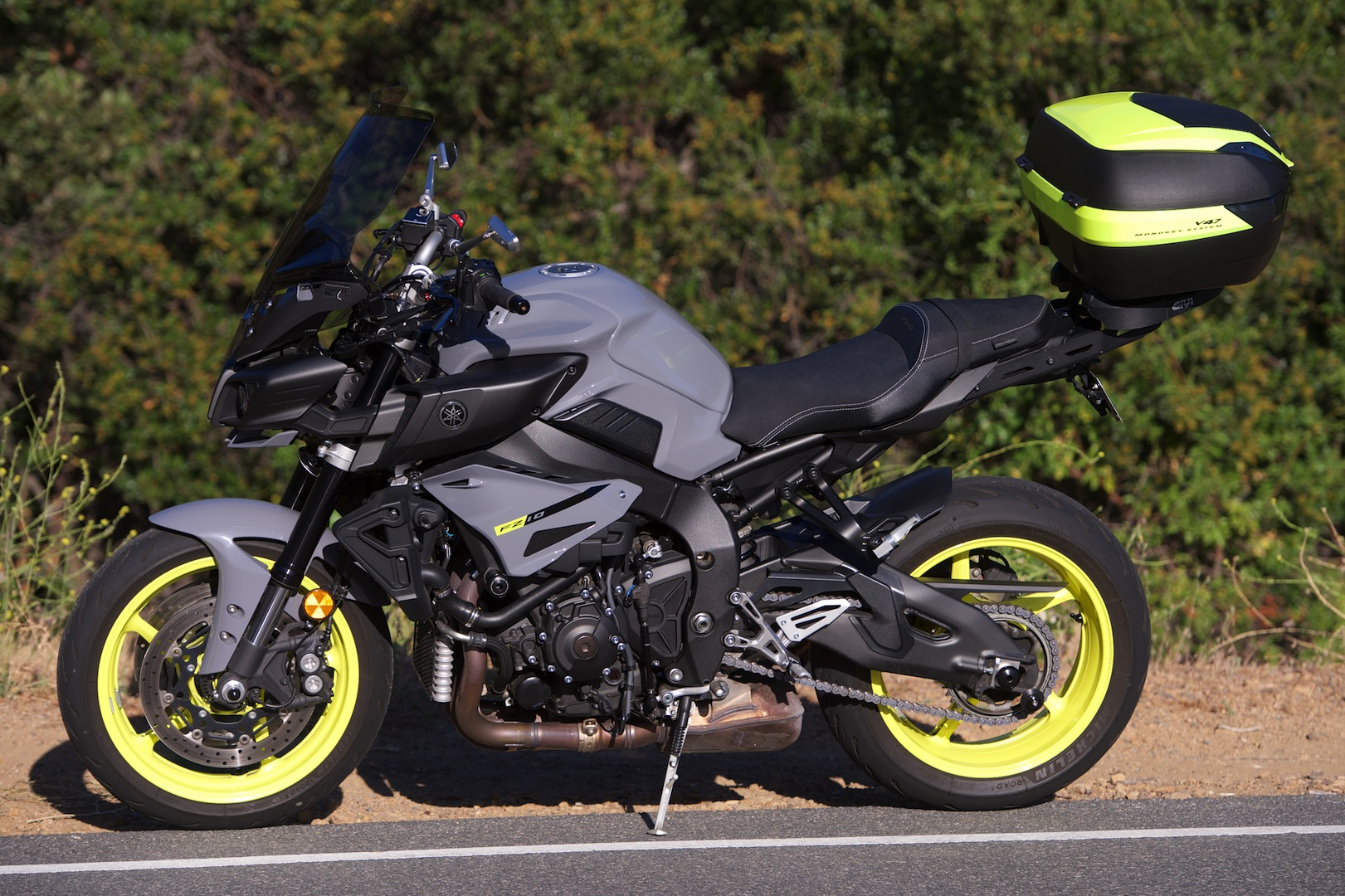 Project Yamaha MT-10 Sport Tourer rizoma