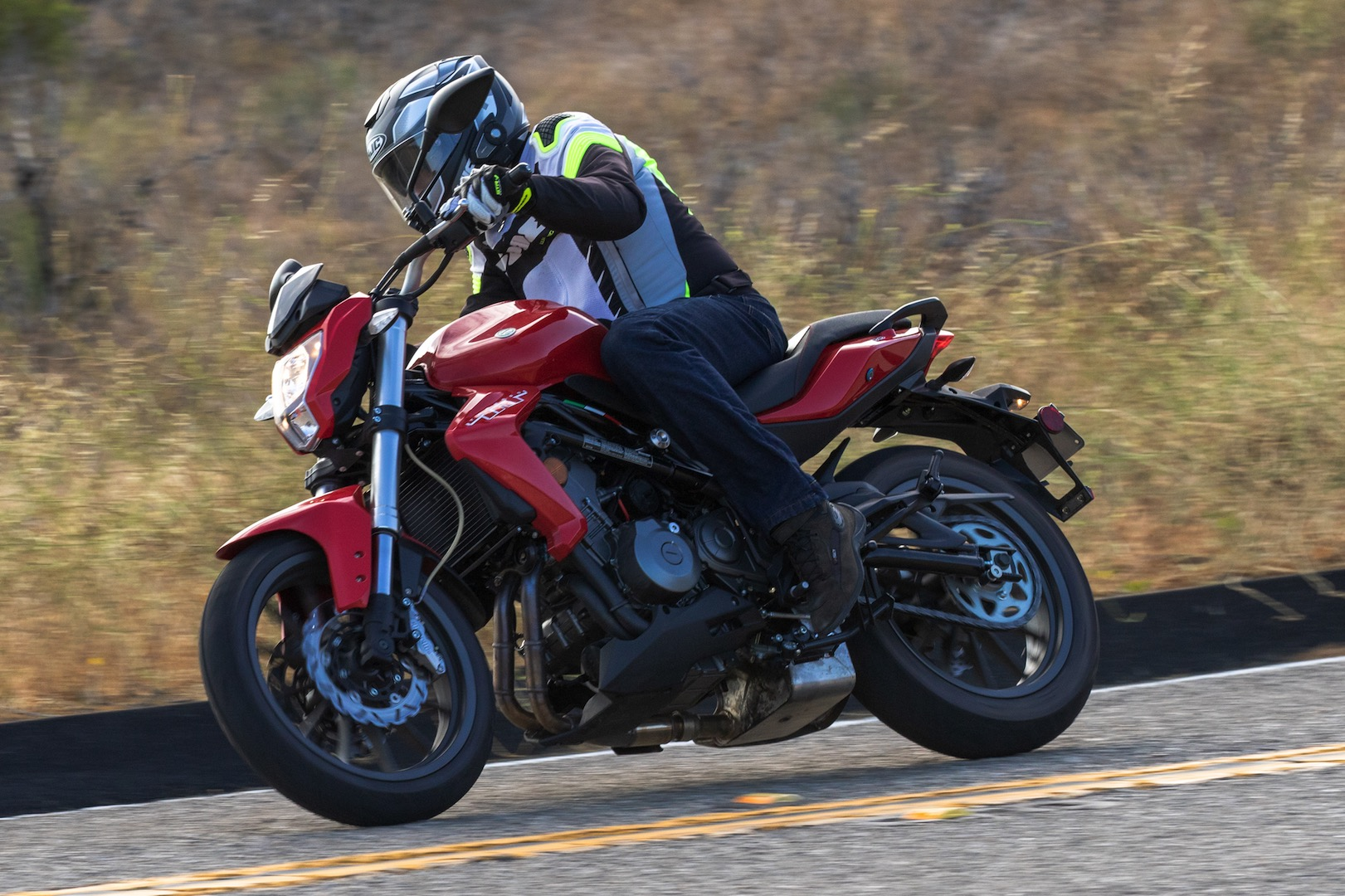 2019 Benelli Tornado TNT 300 Review - novice motorcycle