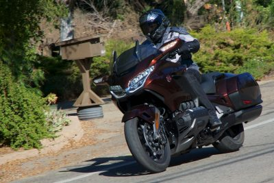Honda Gold Wing Vs BMW K 1600 B