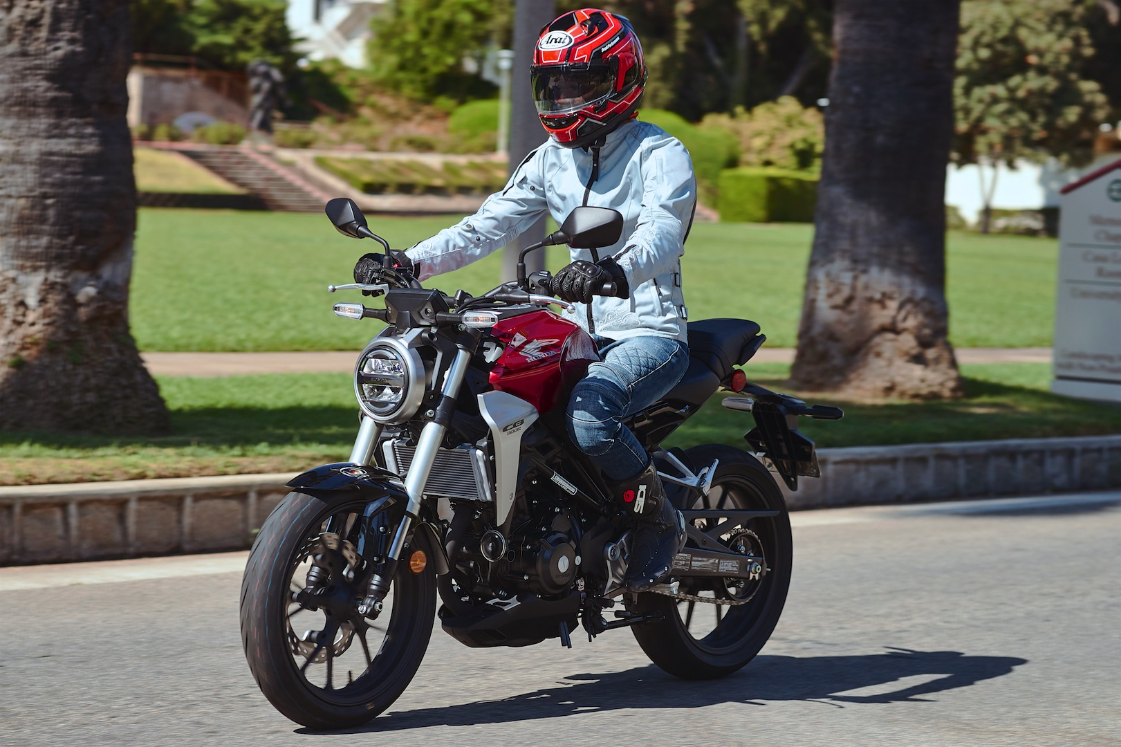 2019 Honda CB300R Review - urban commuter motorcycle