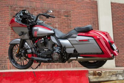 2019 Harley-Davidson CVO Road Glide wheel sizes