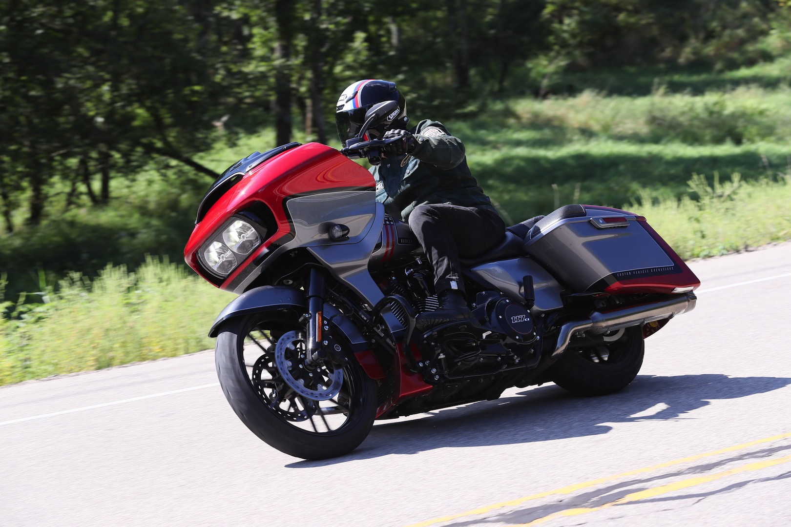 2019 harley davidson cvo road glide review 17 fast facts. Black Bedroom Furniture Sets. Home Design Ideas