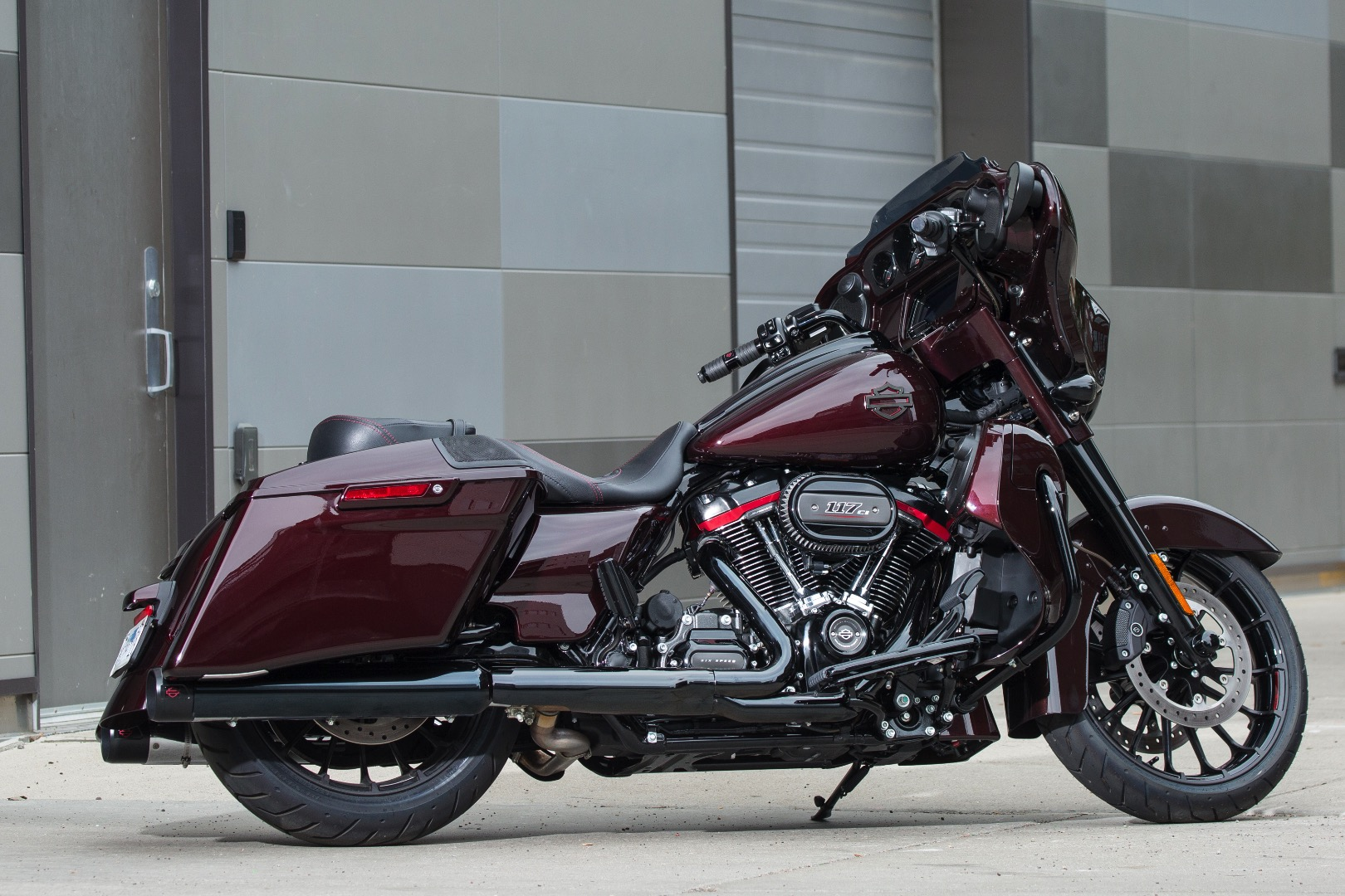 2019 Harley-Davidson CVO Street Glide Review (14 Fast Facts)