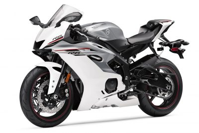 2018 Yamaha YZF-R6 Review - white left 3/4