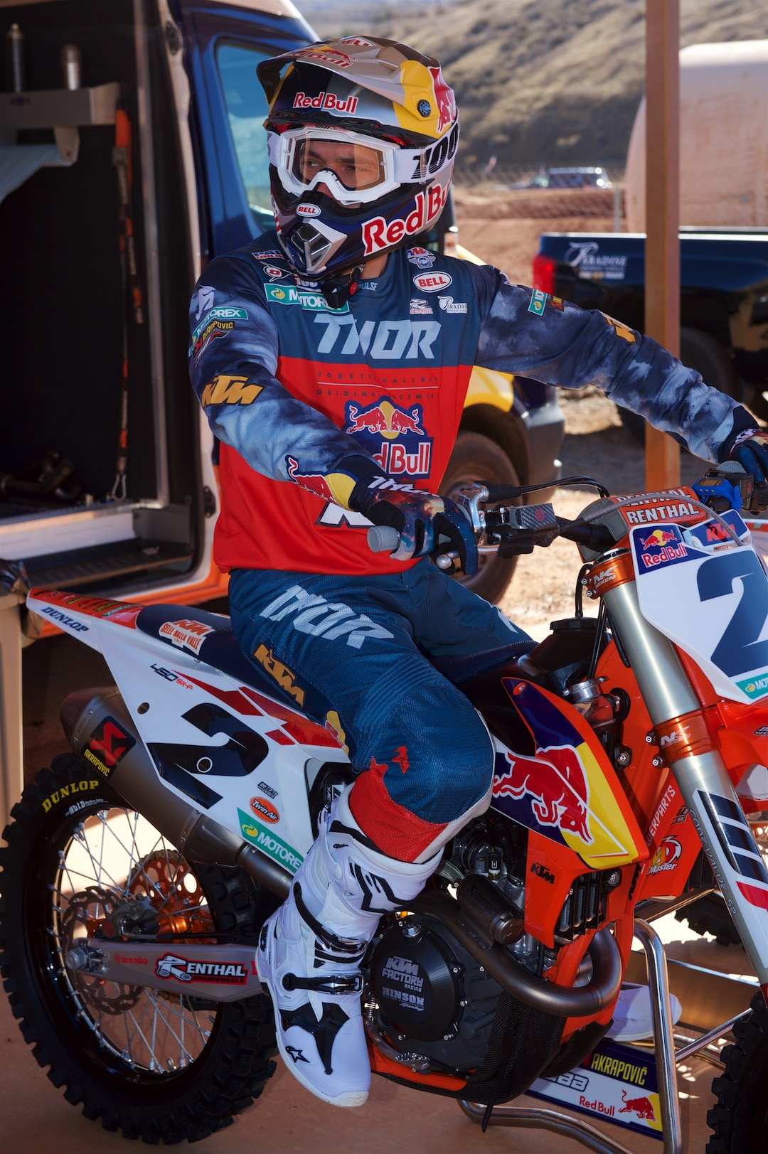 Cooper Webb: First Look on the 2019 KTM 450 SX-F (2019 SX & MX)