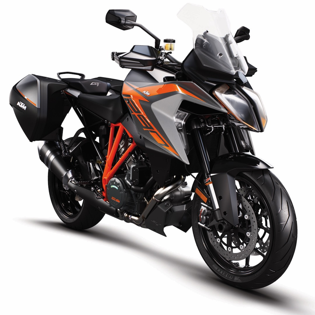 2019 KTM 1290 Super Duke GT 3/4 view