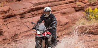 The F 850 GS impressed with a flat front tire.