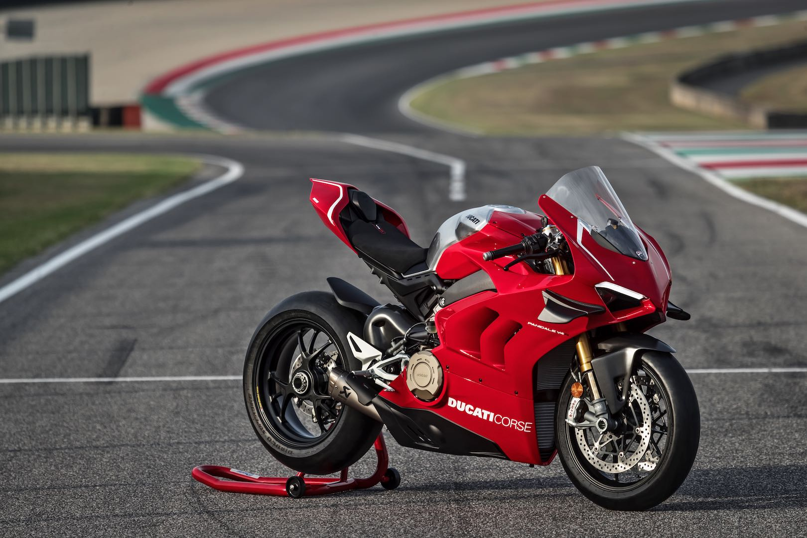 ducati panigale v4 r first look ready for 2019 worldsbk 16 fast facts. Black Bedroom Furniture Sets. Home Design Ideas
