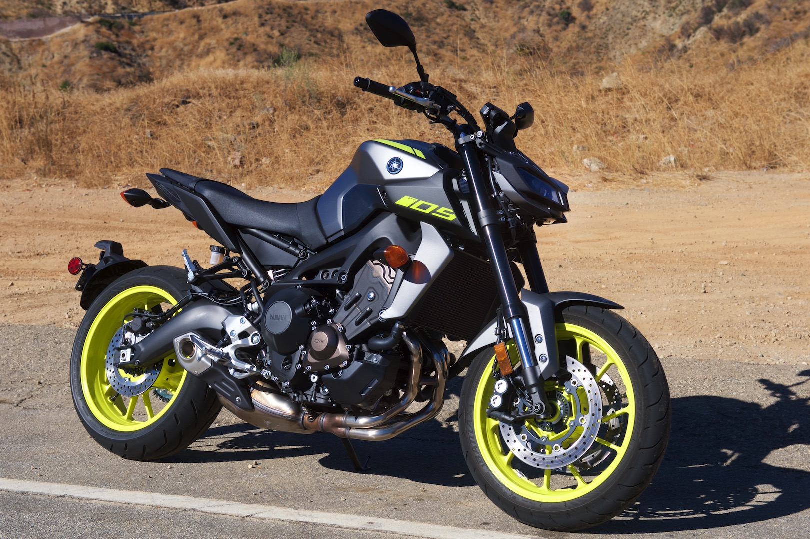 2018 Yamaha MT-09 Review (14 Fast Facts)