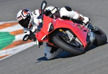 Ducati Panigale V4 Recall: 1,663 Motorcycles Due to Potential Oil Cooler Leak