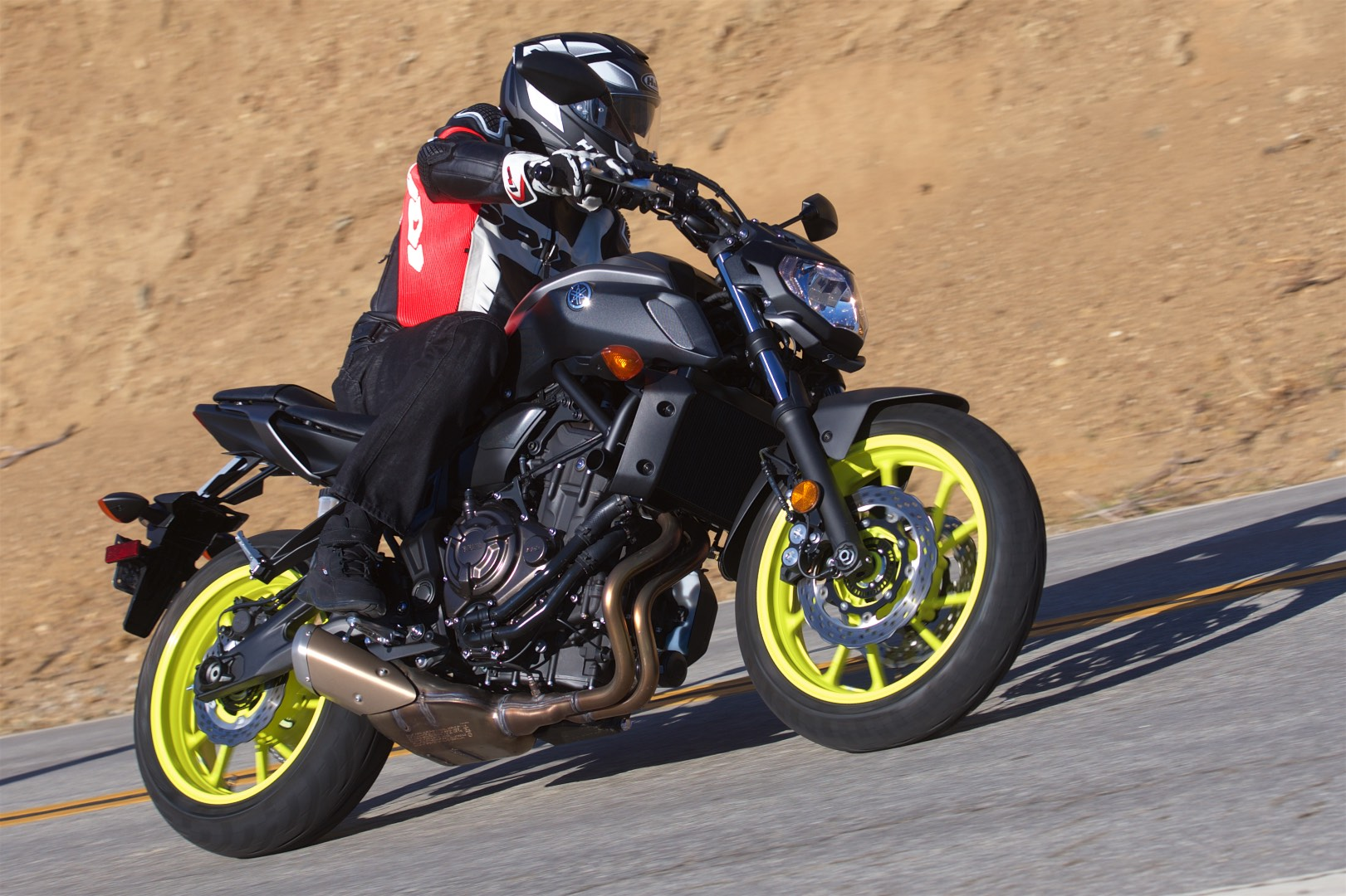 2018 yamaha mt 07 test long term sport commuter review. Black Bedroom Furniture Sets. Home Design Ideas