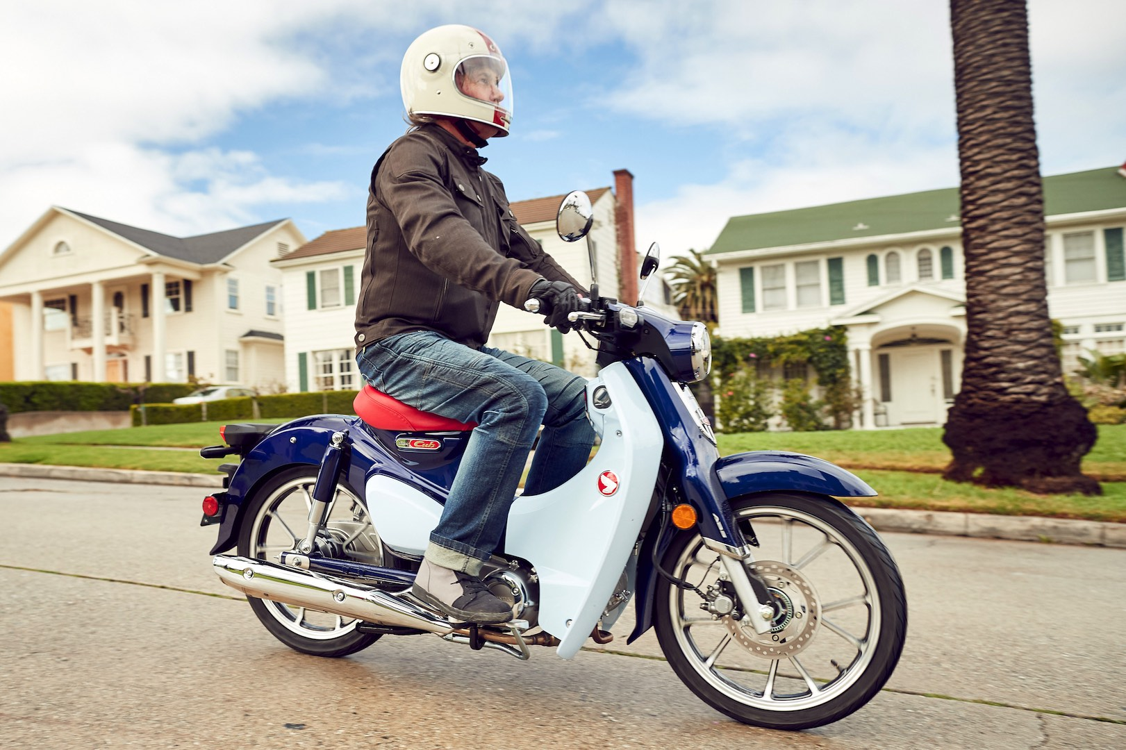 2019 Honda Super Cub C125 ABS Review - urban motorcycle